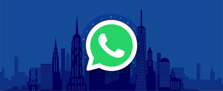 WhatsApp-Logo vor einer Skyline – Titelbild für Beitrag zu WhatsApp Business API